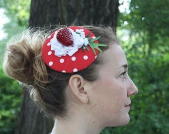 """Fascinator red with white dots with """"cream"""" Strawberry leaf"""