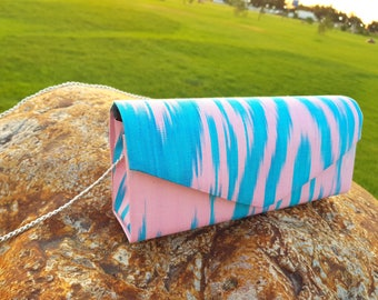 Glorious Ikat clutch. Uzbek bag