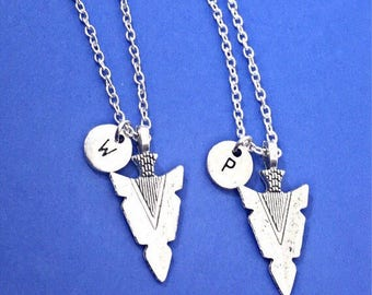 Set of 2-Custom Couples Arrowhead Necklace Set, Gift For Girlfriend, Gifts for Him,Jewelry For Couples,Arrowhead,Silver Engraved Couples Set