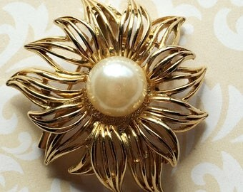 Gold Flower Brooch with Pearl Center