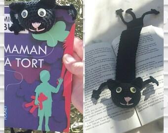 Crochet black cat bookmark