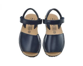 navy nappa leather Menorquina sandals abarca with flexible outsole and velcro strap.