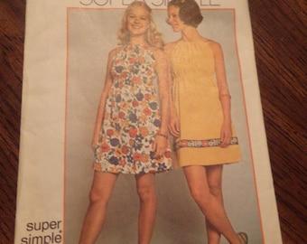 Simplicity 9885 Super Simple Dress Pattern 1972 size 8-10