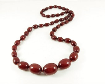 Art Deco  Cherry Amber Bakelite Bead Necklace
