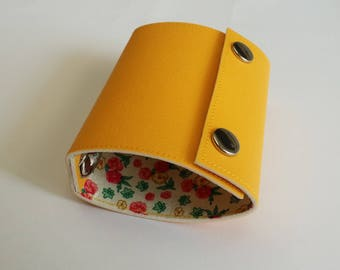 Recycled - Card holder recycled linoleum yellow (n 24)