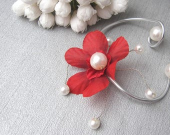 Red bracelet 'Les Volutes'