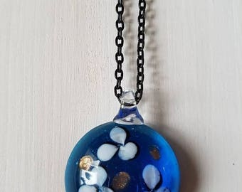 Round glass flower pendant necklace