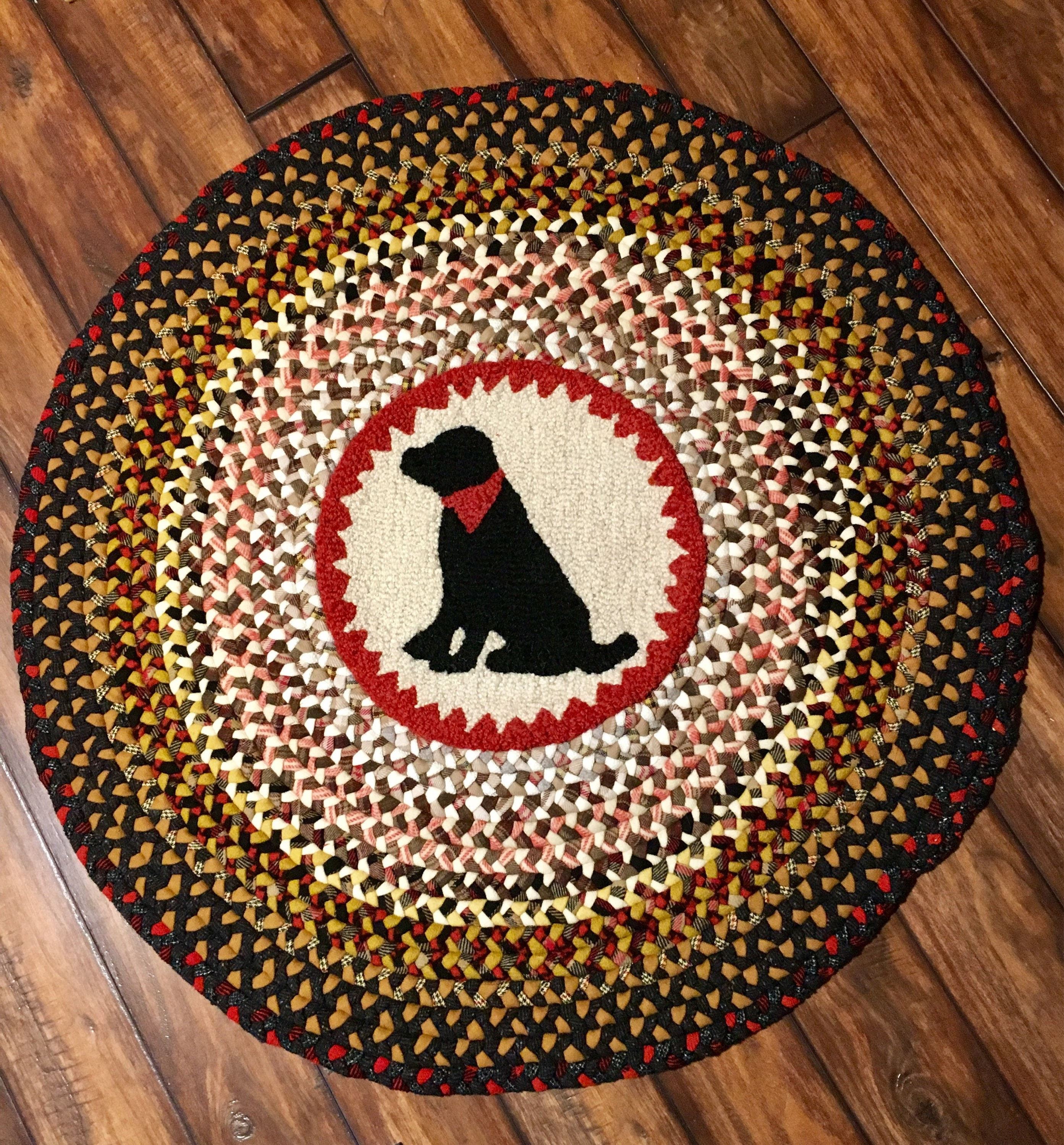 Dog Hooked Rugs: Black Dog Braided Rug With Hooked Chair Pad Center