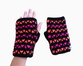traffic woman, small hearts of fluorescent wool mittens
