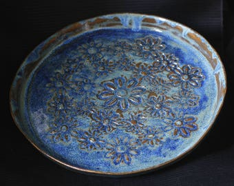 Ceramic decorative plates