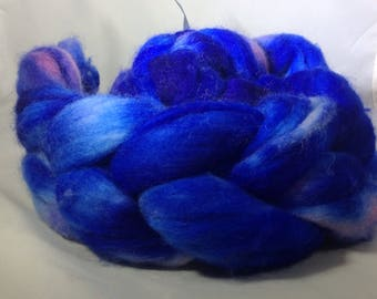 """Polwarth handdyed roving """"lost in blue"""""""