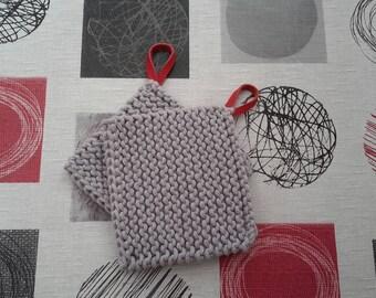 Potholder or trivet in gray cotton