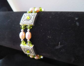 chic evening bracelet with swarovski crystal beads and pearls
