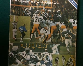 1981 Sports Illustrated Paydirt Football Replay/Simulation Board Game (Complete new game in opened original box)