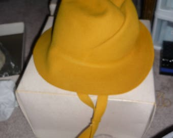 Vintage Women's Hat- Mustard Yellow