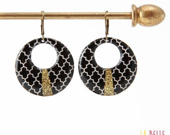 Resin earrings round black and white mosaic pattern