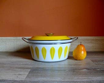 Cathrineholm Yellow on White Enamel Lotus Dutch Oven, 4 Quart Stock Pot, Catherine Holm, Made in Norway, Retro Cookware, Mid Century Kitchen