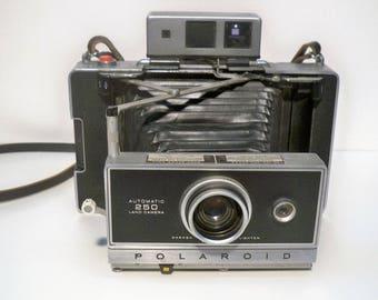 Vintage polaroid camera | Etsy