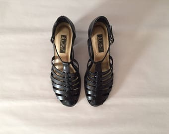 GLADIATOR heels // black leather strappy heels // T bar 9 West heels // size 8.5