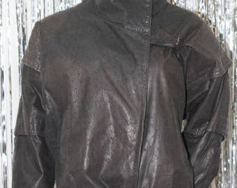 Vintage Thinsulate Bermans 1980s Cropped Red  100% Genuine Leather Motorcycle Jacket (XS)