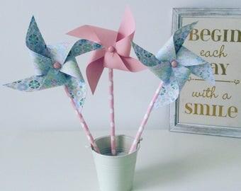 Pinwheels wind rose & flowers