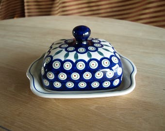 Boleslawiec 'Hand Made in Poland' Pottery Lidded Butter or Cheese Dish - 177