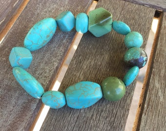 Chunky Turquoise Beaded Bracelet ln Stretch Cord / Free Shipping