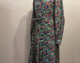1970s Floral Patterned Shirt Dress, Pleated Skirt, Wide Label, Belted Waist