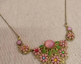 Vintage yellow metal delicate floral necklace