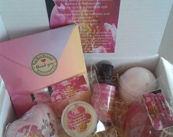 """Deluxe All Natural Relax Gift Box/ """"Pamper Me"""" Handmade Natural Aromatherapy Bath Gift Set"""