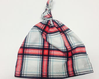 Knotted Baby Hat {Maci Plaid}
