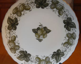 Royal Worcester Mathon Hop Design Luncheon salad plate excellent condition