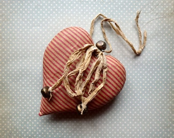Primitive heart decoration Decor Cotton Fabric Hearts Wall Decor country Valentine's Gift Vintage style fabric heart Shabby Chic hearts