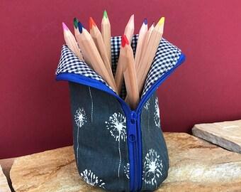 Standing pen pencil case, pencil case, pen case holder