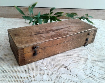 Old wood box Salvage Small wooden chest Antique trunk Aged storage treasure case Vintage Shabby chic decor Photo theatre movie props