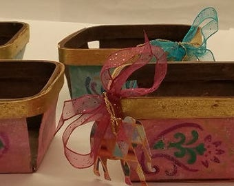 "WOOD Berry Gift Baskets ""PINK ELEPHANTS"" - Part of Ranko Collection"