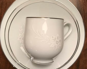 Vintage Sango Cantata footed cup & saucer set! Price is for all 16 pieces!