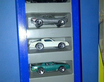 NEW Hot Wheels Camaro Gift Pack from 1995