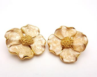 Vintage Clip on 60s Earrings Beige Enamel on Gold Tone Metal Flower Floral Large Modernist Mod Retro Classic Feminine Statement