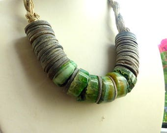 Handmade Jewelry.Natural Shell with Green Agat. Linen Necklace. Linen Jewelry.