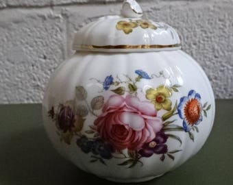 Royal Worcester Ginger Jar with Lid/Bournemouth/Fine Bone China/Vintage/Collectable/1970s