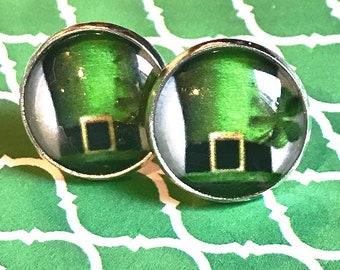 Handmade leprechaun hat glass cabochon earrings - 16mm