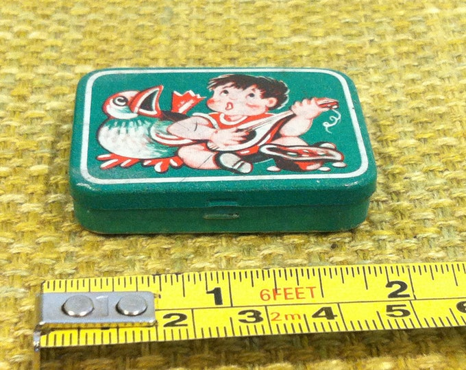 vintage tin box, tin toy, dollhouse miniature, acessoires