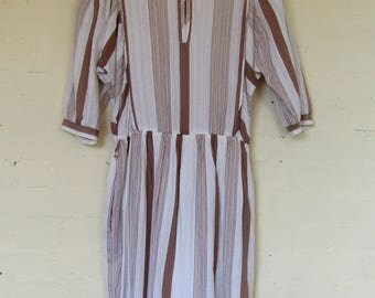 White and brown striped 1970's dress - size 12/14