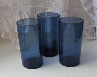 Iittala: A Set Of Three 30 cl Blue i-114 Glasses, Designed By Timo Sarpaneva