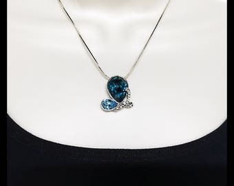 Swarovski Safire and light Blue cushion Crystals Pendant Necklace with Clear Swarovski Crystals