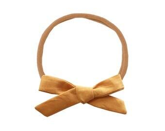 Schoolgirl Bow or Pigtail Set /// Butterscotch