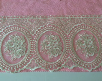 Width 13 cm beige tulle embroidered lace