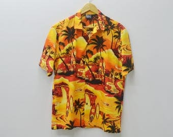 ROYAL CREATIONS Shirt Vintage All Over Print Made In Hawaii 100% Cotton Button Down Hawaiian Shirt Size M