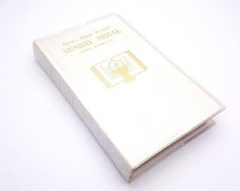 New Saint Joseph Sunday Missal and Hymnal Approved Canadian Edition Catholic Book Publishing Co. Complete Masses Sundays and Holidays 1968